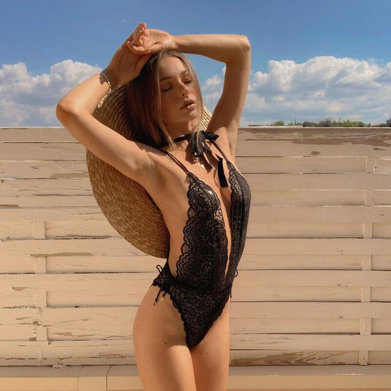 pretty back 100% lace body thong - black;