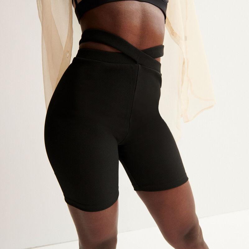 Aya x undiz linked cycling shorts - black;
